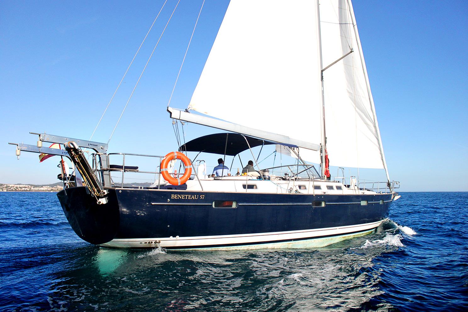 alquiler-velero-beneteau-57-casco-azul