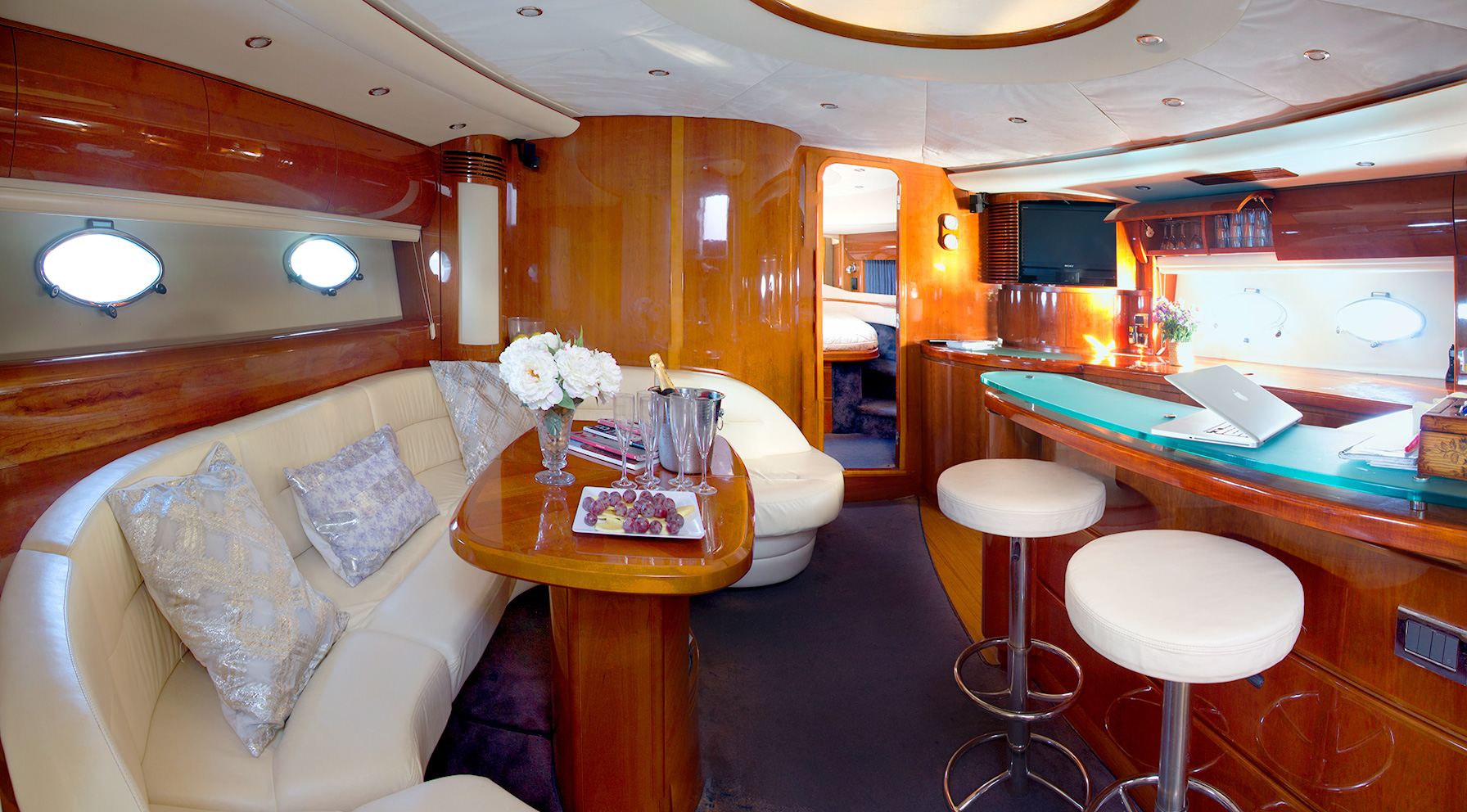 interior Princess V65